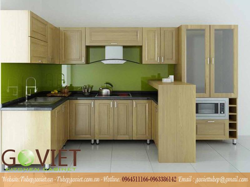 Tủ bếp gỗ tự nhiên kết hợp inox