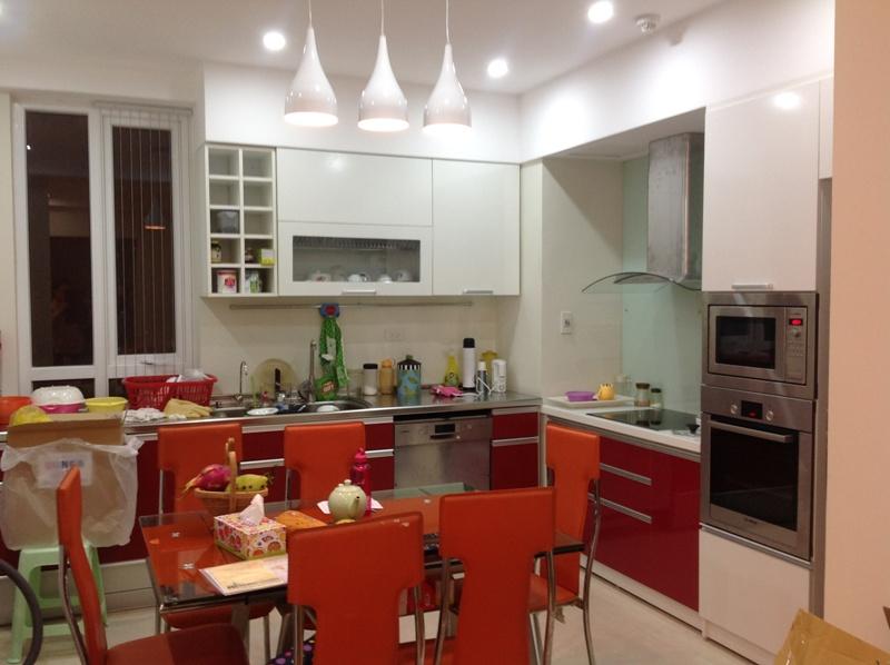 Tủ bếp Laminate chị Mai - KDT Dich Vong